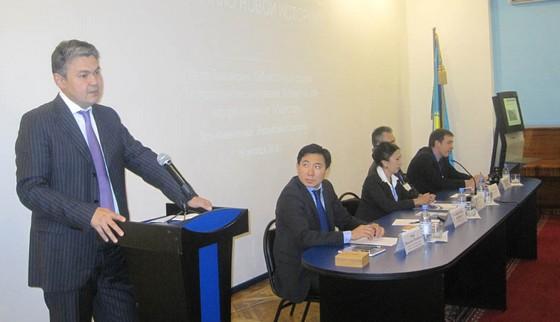Выступает Первый заместитель акима Восточно-Казахстанской области Е.Б. Кошербаев