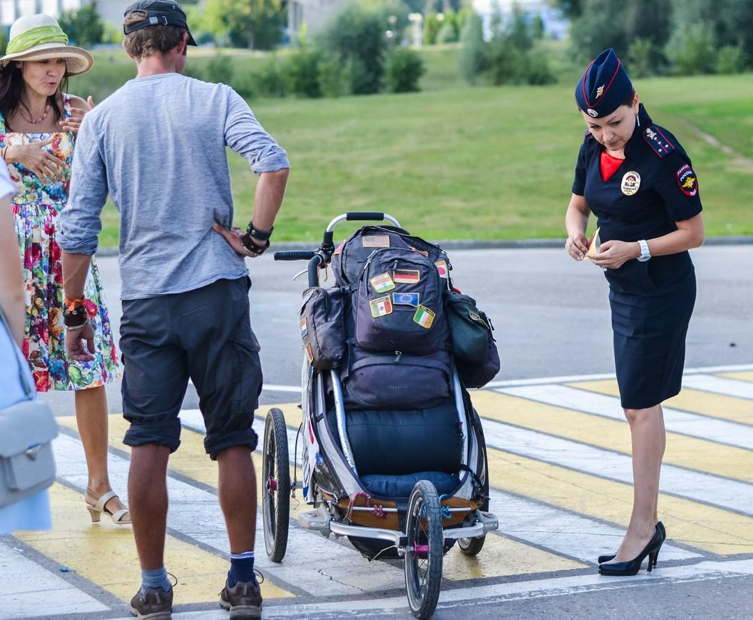 ГИБДД Чувашии позаботились о безопасности немецкого путешественника